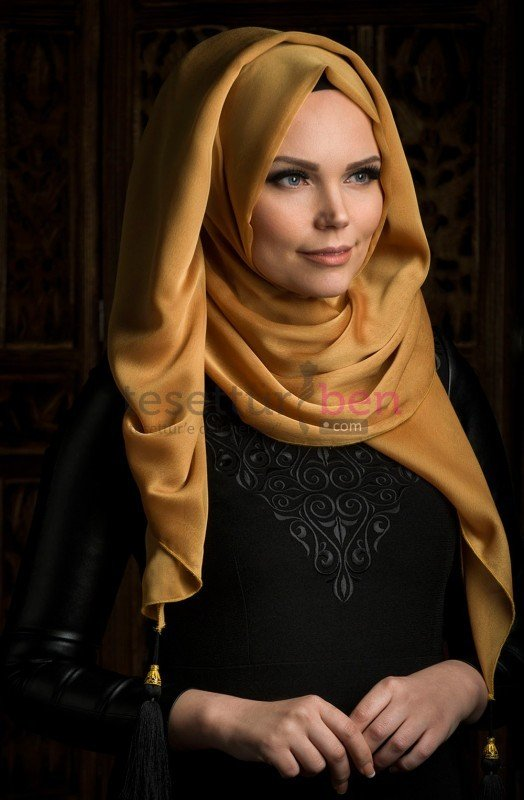 Muslima Wear Püsküllü Şal Gold