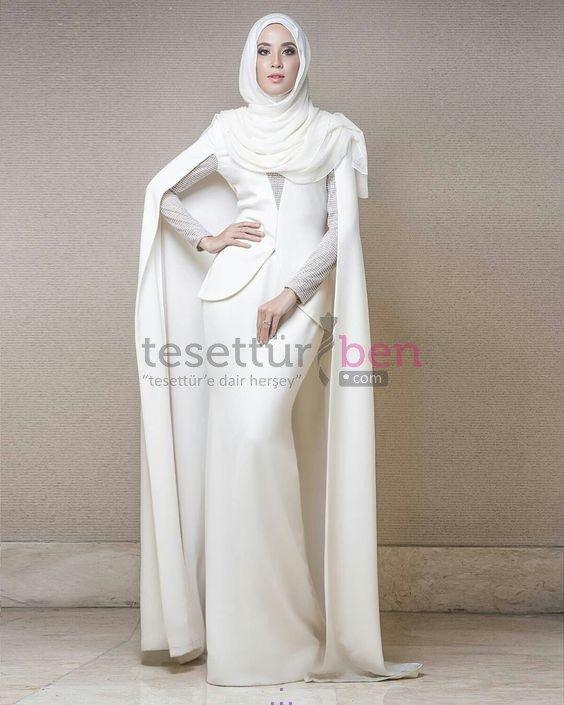 Beyaz Pelerinli Tesettür Abiye Modeli